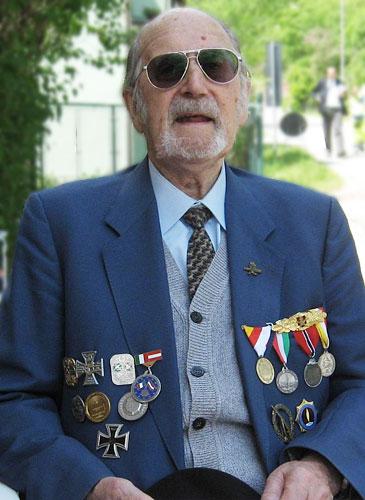 I recuperanti arthur kr ger - Papaveri e veterani giorno di papaveri e veterani ...